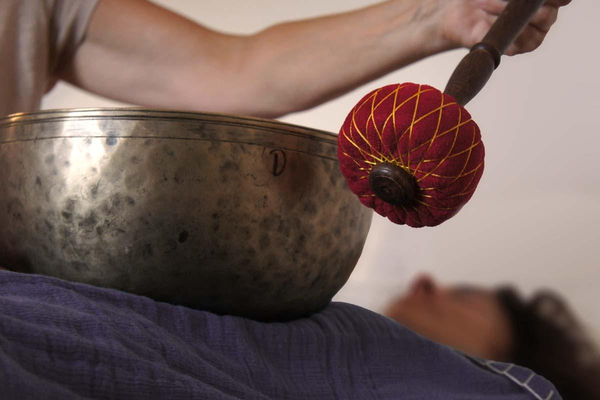 Klangmassage mit tibetischen Klangschalen